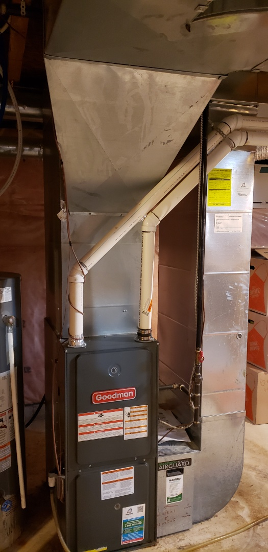 Brantford, ON - Performing yearly maintenance on a Goodman furnace in Brantford