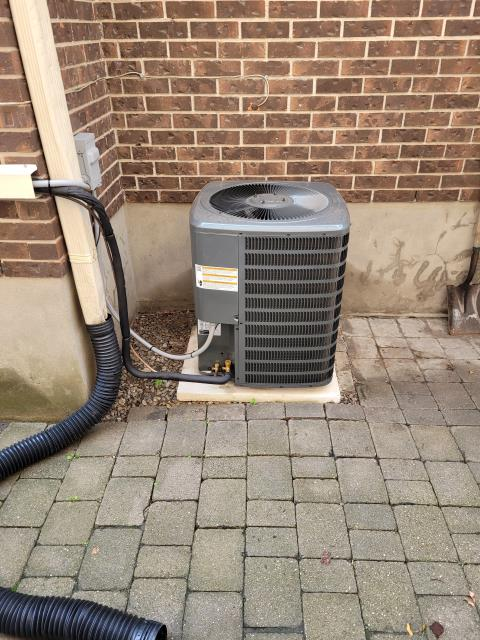 Installation of a Goodman 13 SEER GSX13 2.5 TON and cooling coil for home in Toronto, Ontario.