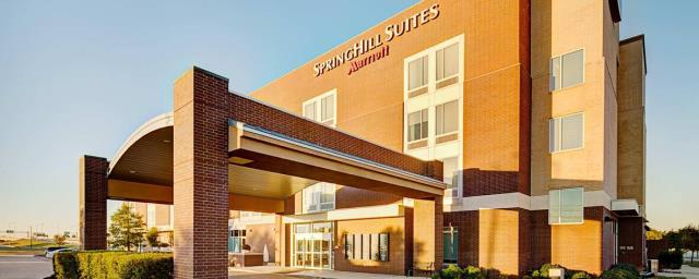 Richardson, TX - Data room unit failed. Thank you, Springhill Suites for trusting us with your commercial HVAC needs.