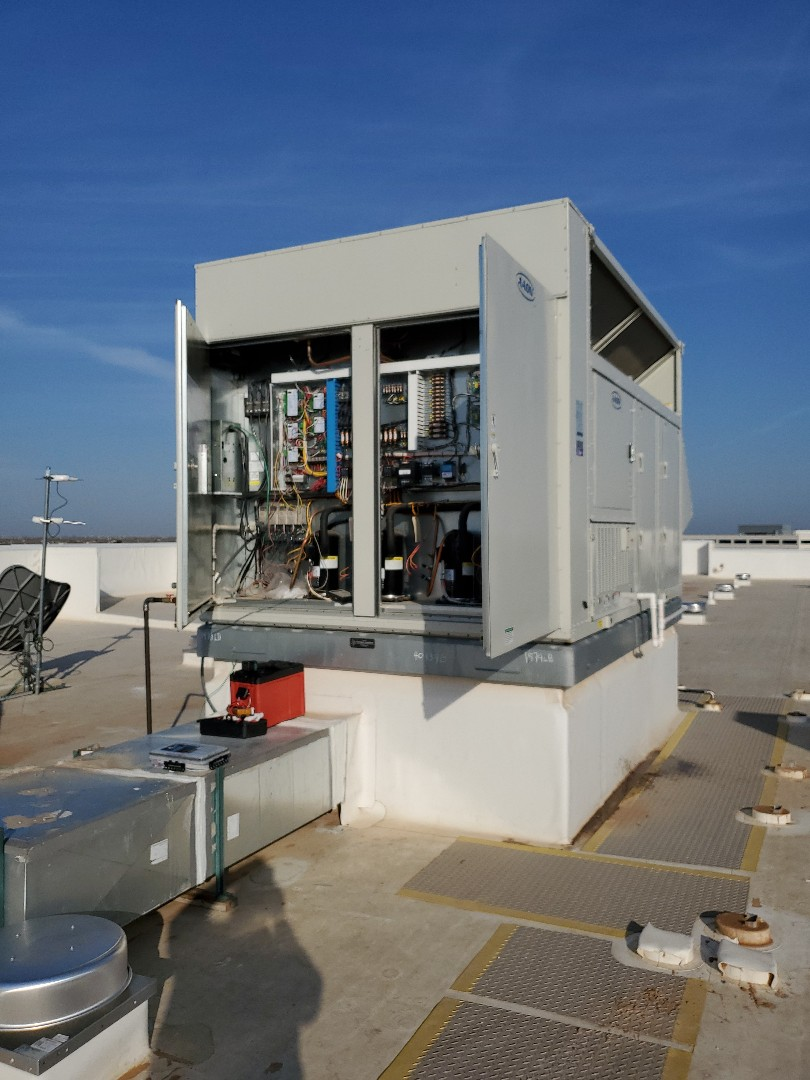 Midland, TX - Rooftop AAON ERV not cooling enough for this hotel. We got you going. Thank you for trusting us with your hospitality hvac needs.