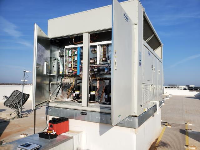 Midland, TX - Tru Hotel's 100% outside air system was malfunctioning. We got it running and the hotel is cooling off.