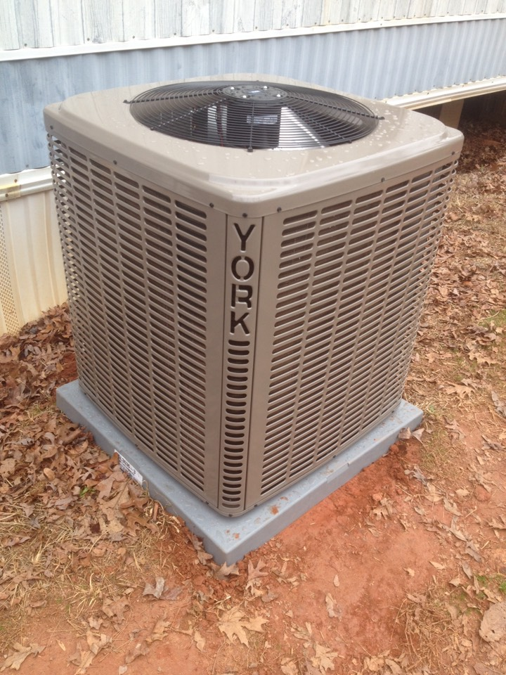Martin, GA - Three ton York lx series heat pump installation.