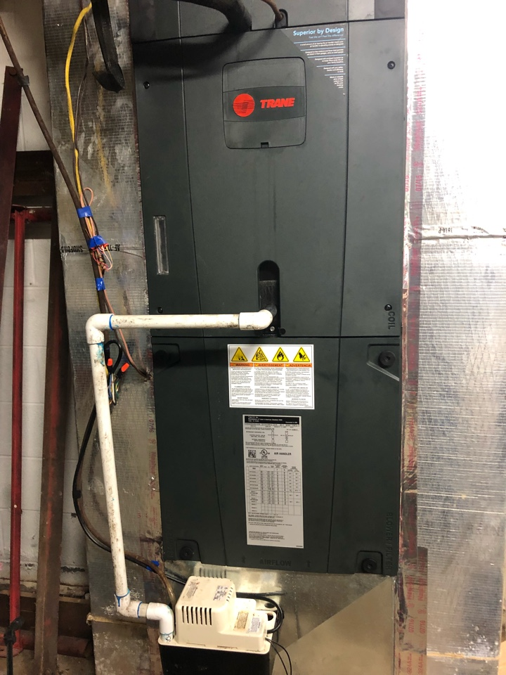Toccoa, GA - Restore operation on Trane heat pump system to cooling home.