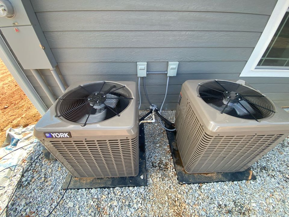 Canon, GA - Two 2 ton heat pump systems of new construction home. One attic and one crawl space.