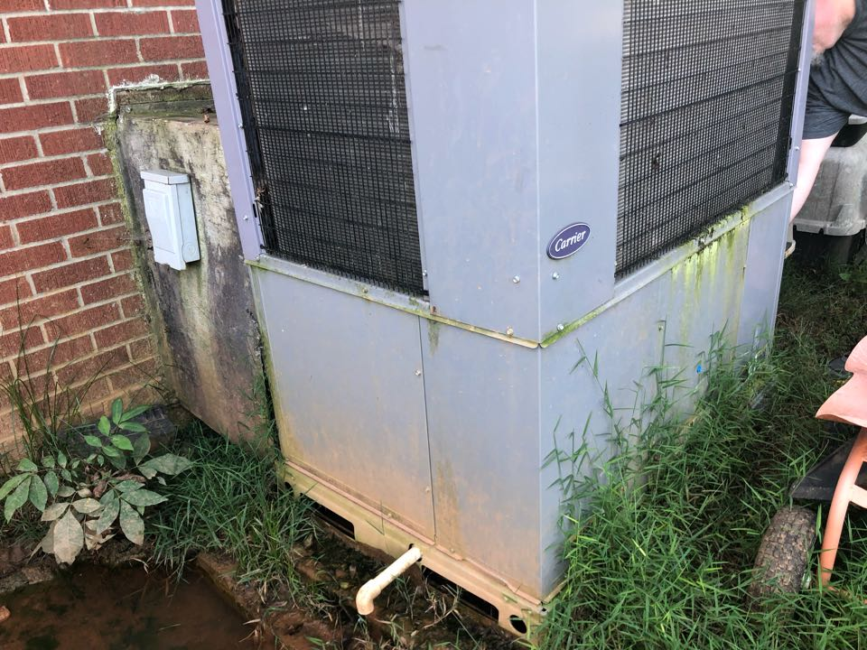 Canon, GA - Carrier package heat pump keeps freezing up. Dreadful installation does not allow this 2 year old heat pump to cool or heat correctly.