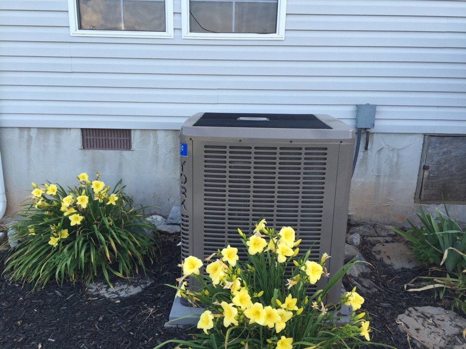 Carnesville, GA - Repaired York Heat pump when fan would not operate and it was humming. Promptly corrected problem and performed safety and performance testing to verify great air conditioner operation. Home is cooling down great and it feels very comfortable.