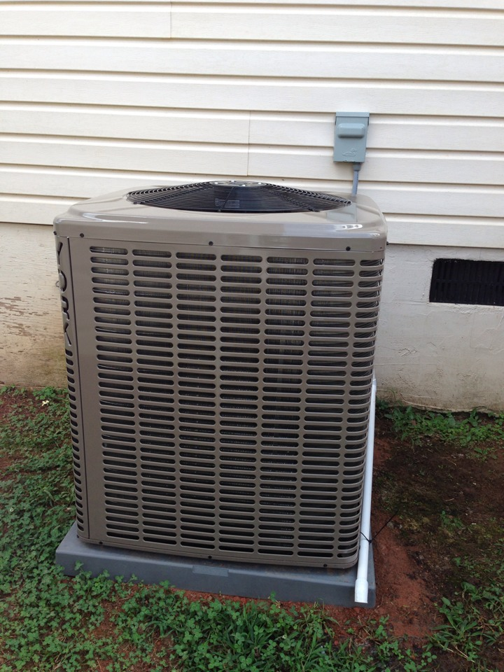 Royston, GA - Install York LX series High Efficiency Split Heat Pump system with Quiet drive, delivering cool & comfortable Air Conditioned air throughout the home with predictable energy savings!