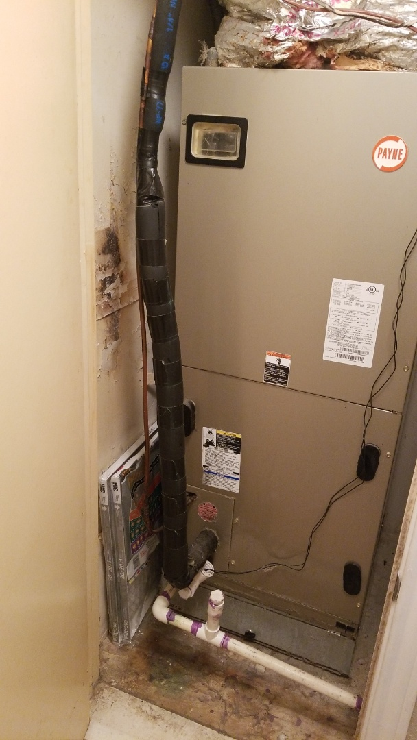 Garland, TX - Working on a Payne air conditioner in Garland for a family!