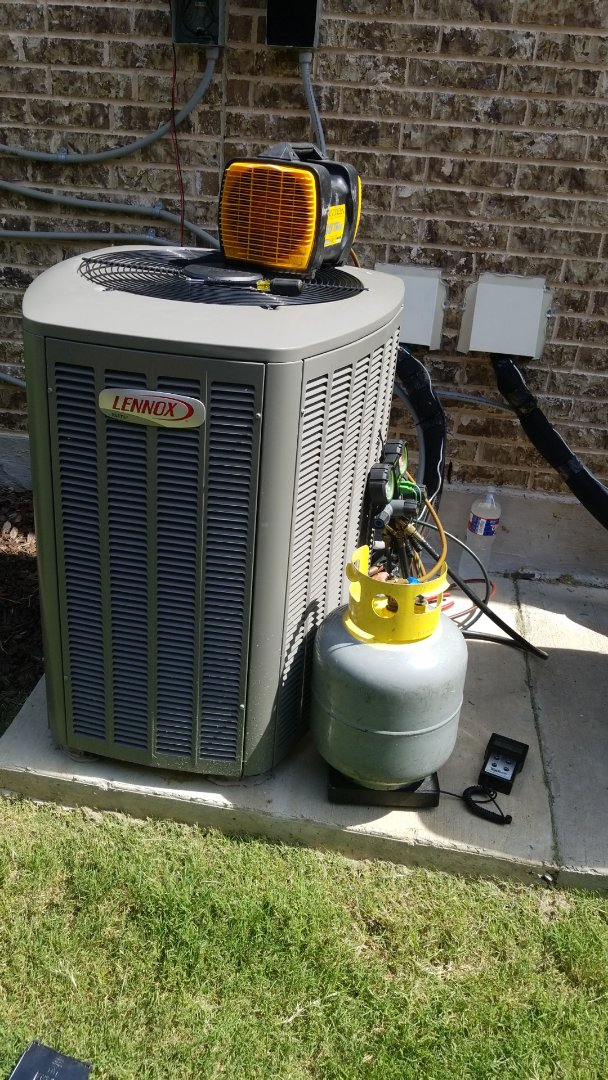 Rockwall, TX - Changing a compressor on a Lennox unit in Rockwall