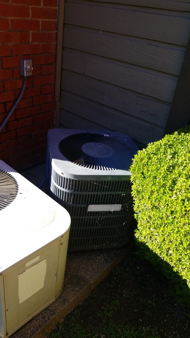 Garland, TX - Working on a families  Goodman air conditioner in Garland.