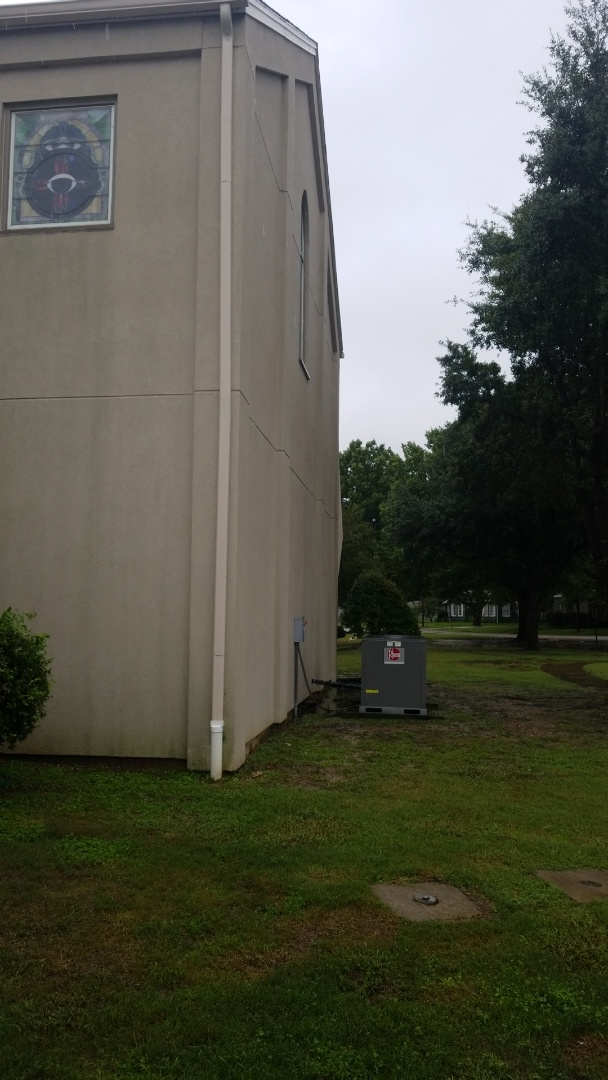 Kaufman, TX - Gas leak repaired at St. Anns Church in Kaufman