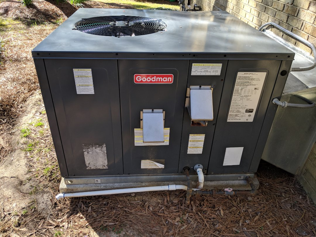 Garner, NC - Replacing a pressure switch on a Goodman Gas pack.