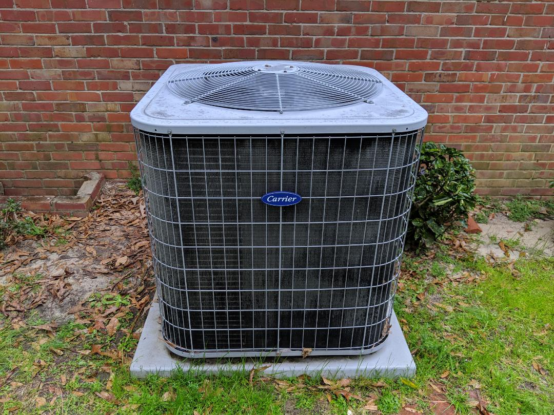 Fayetteville, NC - Adding refrigerant to a Carrier heat pump.