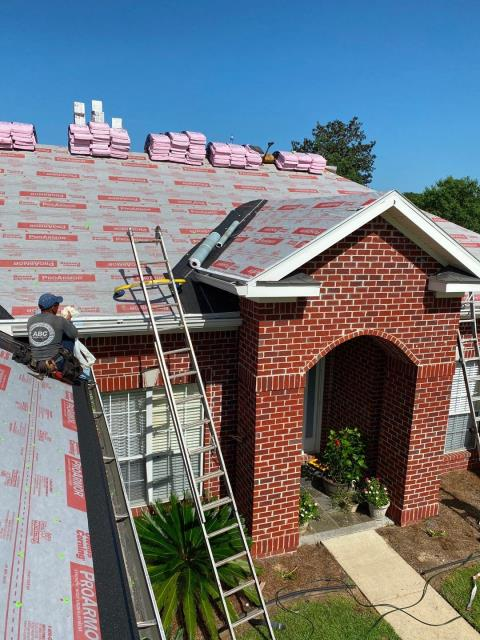 Silverhill, AL - We are replacing the roof on this house in Silverhill, AL