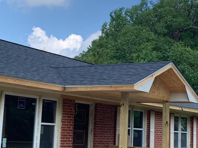 Saraland, AL - We replaced the roof on this house in Saraland, AL