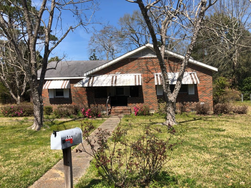 Chickasaw, AL - We are inspecting this house to install a new roof