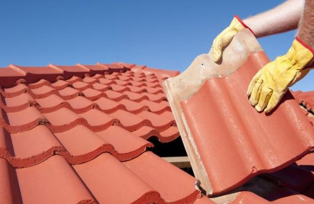 Pensacola, FL - The process of replacing your roof can be daunting but fortunately, unless something catastrophic happens, it should last for many years.  Check This Out: https://freemanroofing.com/roof-replacement/