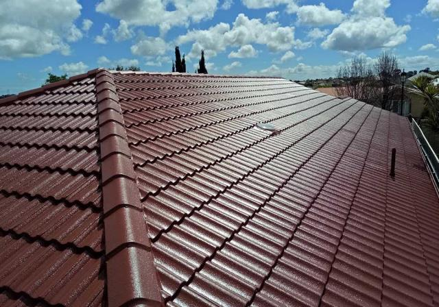 Fort Walton Beach Roofer : Unlike many fly-by-night companies, Freeman Roofing is local, family-run company that is invested in our community.  Check More Details Here: https://freemanroofing.com/residential-roofing-services/