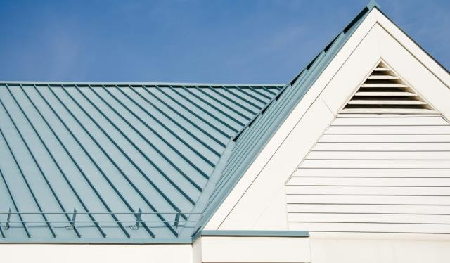 Cinco Bayou Residential Roofing : Metal roofs have become increasingly popular in part because of their character and charm.  Check Your Options Here : https://freemanroofing.com/residential-roofing-services/