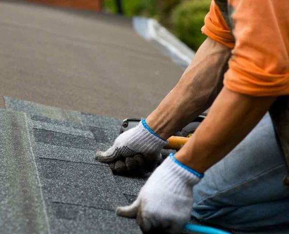 Roofing Repairs Near Goulding FL: The climate along the Gulf Coast frequently presents strong wind and storms. This volatile weather can result in shingles being displaced.  Check Your Options Here: https://freemanroofing.com/roof-repair/