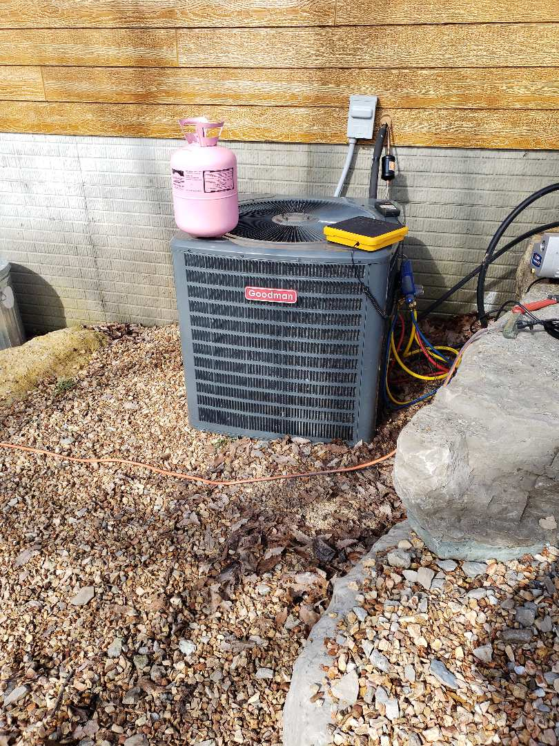 Reeds Spring, MO - Came to repair a leak that I had found in refrigeration piping of a Goodman heatpump. Came out and fixed the leak. Then pulled a vacuum and charged the system and then made sure the system was operating properly.
