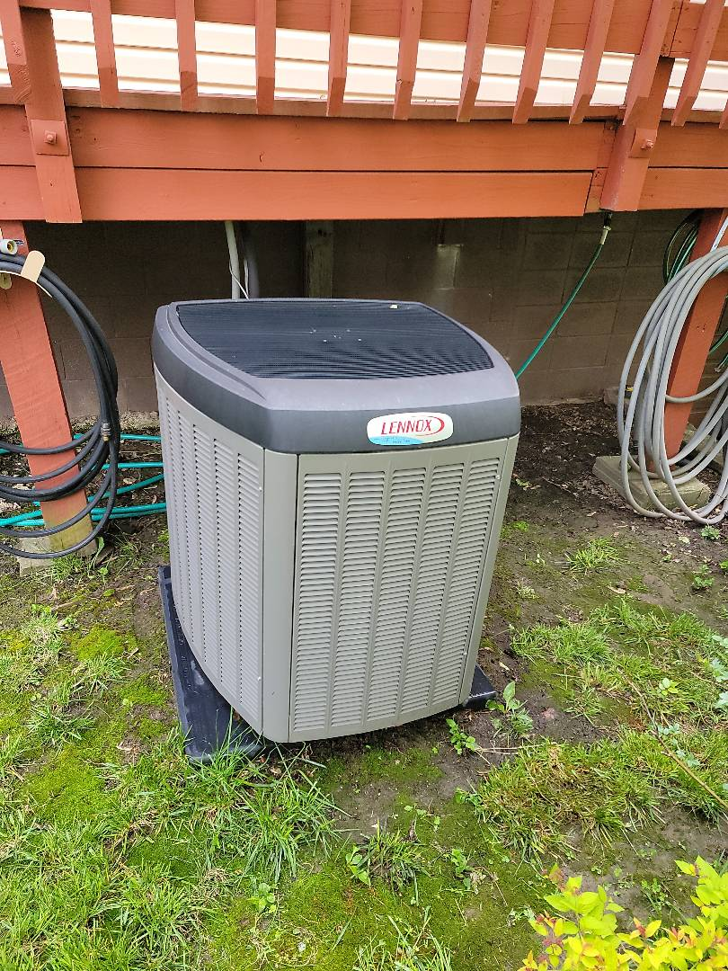 Galena, MO - Planned maintenance agreement cooling tune up. On a lennox xp25 heatpump. Found that the system was operating properly.