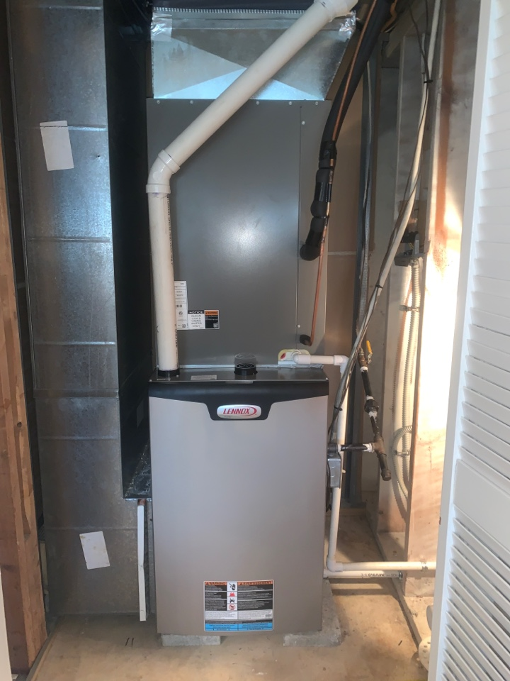 Galena, MO - New Lennox gas furnace/air conditioners install
