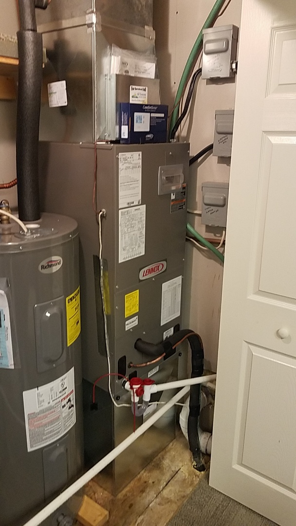 Branson West, MO - Brand new Lennox heat pump. 14 seer heat pump with backup heat.