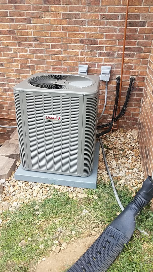 Lampe, MO - Brand new Lennox heat pump with emergency backup heat.