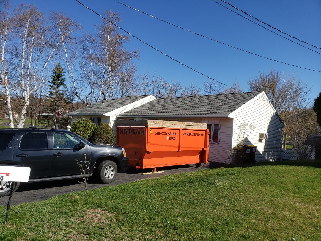 Troy, NY - Dropping 20yd dumpster in Troy NY 12180