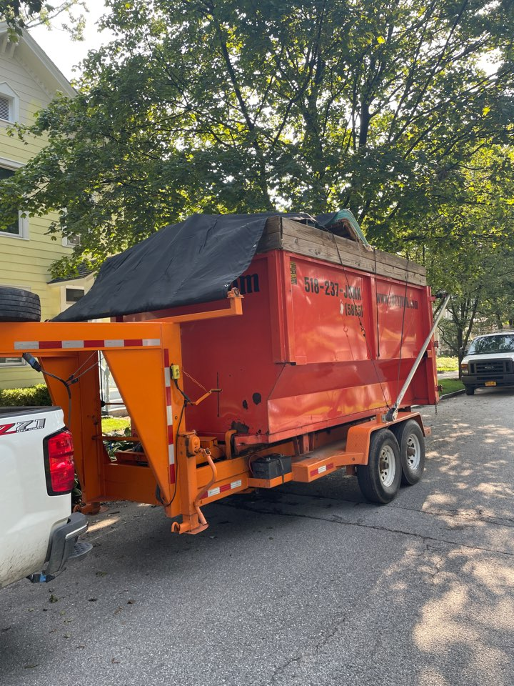 Saratoga Springs, NY - Looking for a cleanout or dumpster in Saratoga NY 12866 ? Just give us a call at 518-237-JUNK(5865)