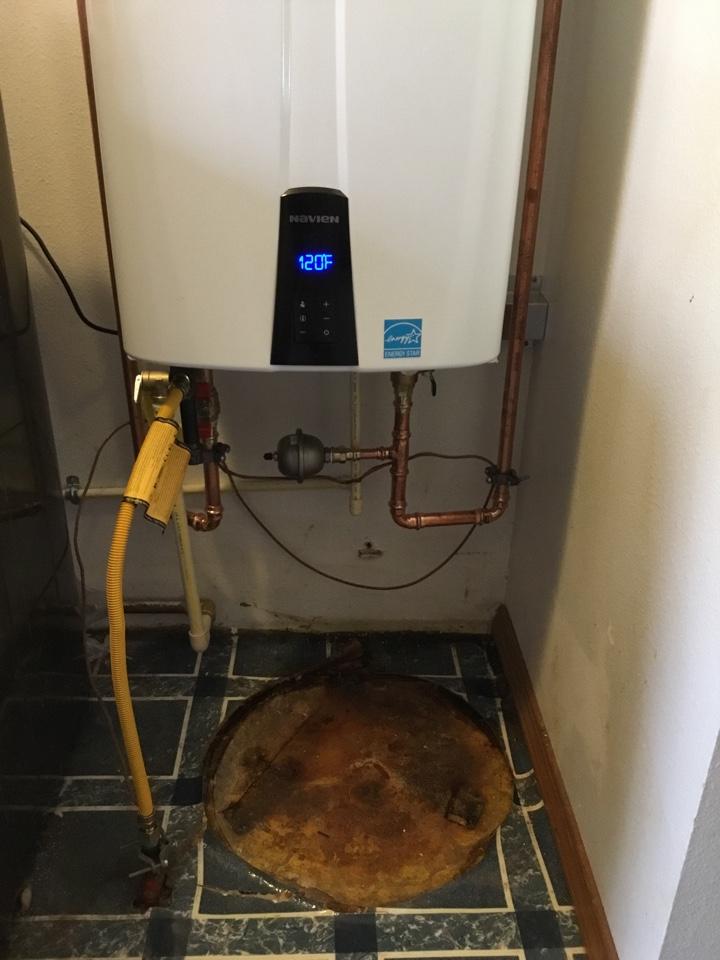 Bellingham, WA - Installed Navien tankless water heater in Bellingham, WA.