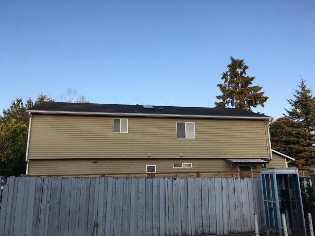 Seattle, WA - New IKO Cambridge roof installation.