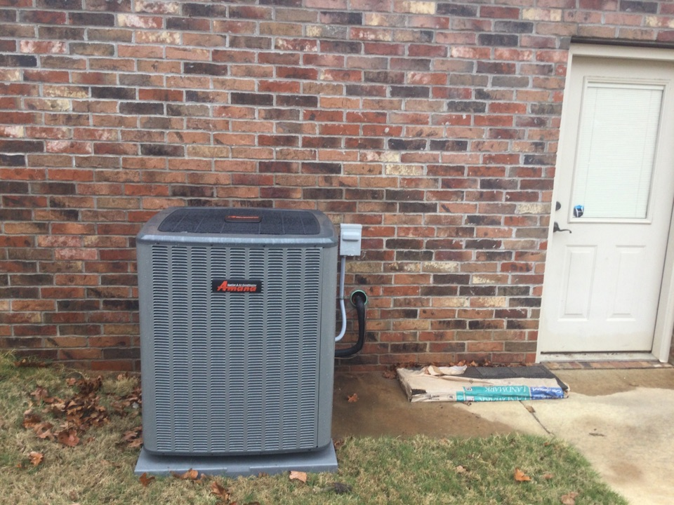 Van Buren, AR - Performed a spring tuneup on an Amana air conditioning unit. In Van Buren Arkansas