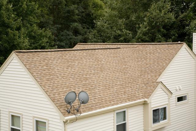 West Springfield, VA - Check out this triple threat window replacement, roofing, and vinyl siding right here in Springfield, VA.