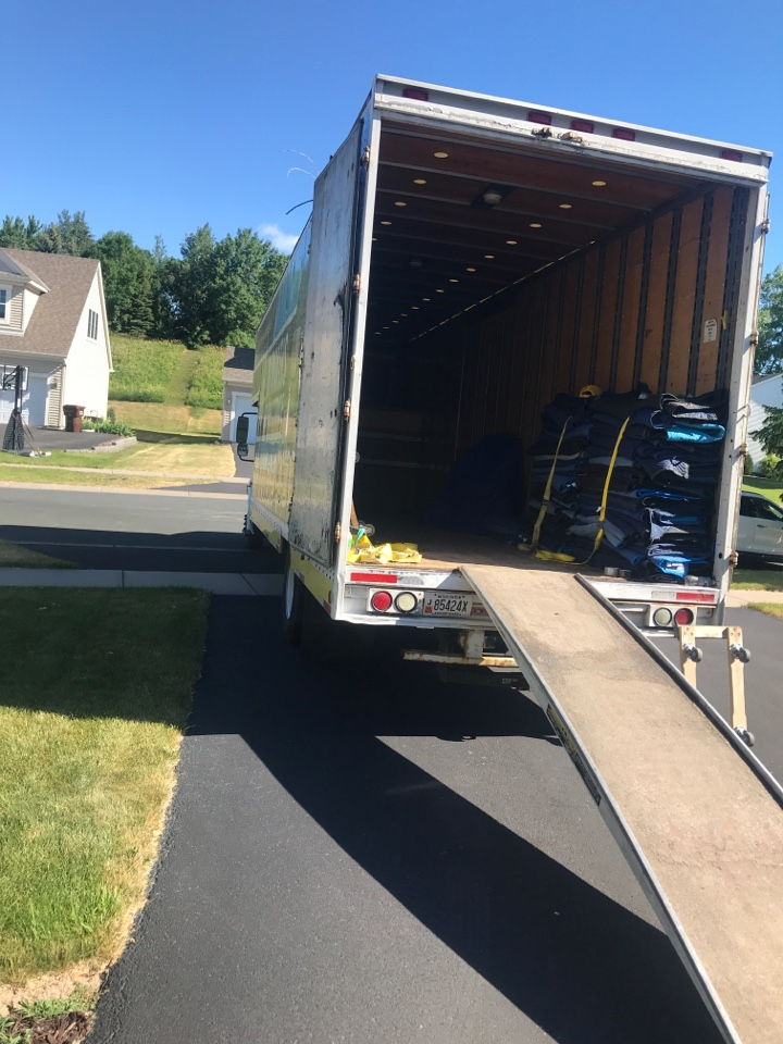 Maple Grove, MN - Loading in Plymouth mn