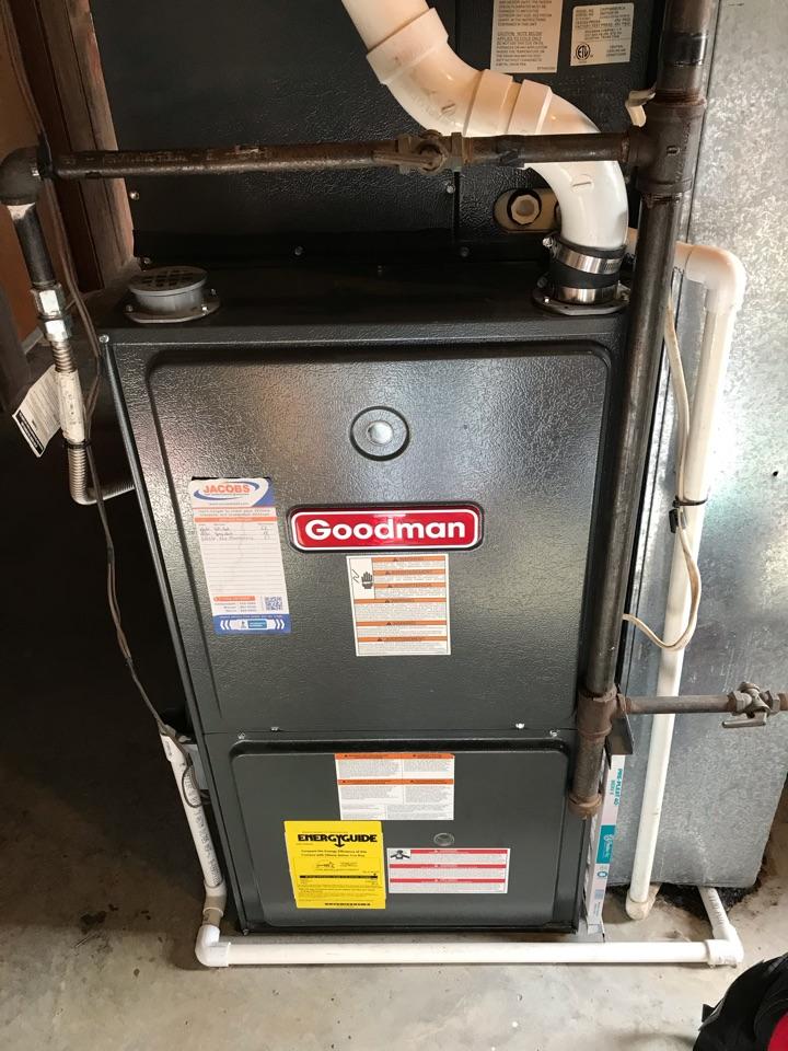 Murphysboro, IL - Goodman gas furnace fall maintenance
