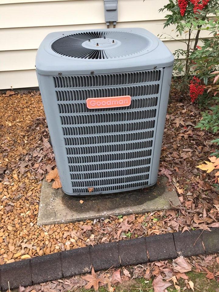 Carterville, IL - Goodman electric heat pump fall maintenance