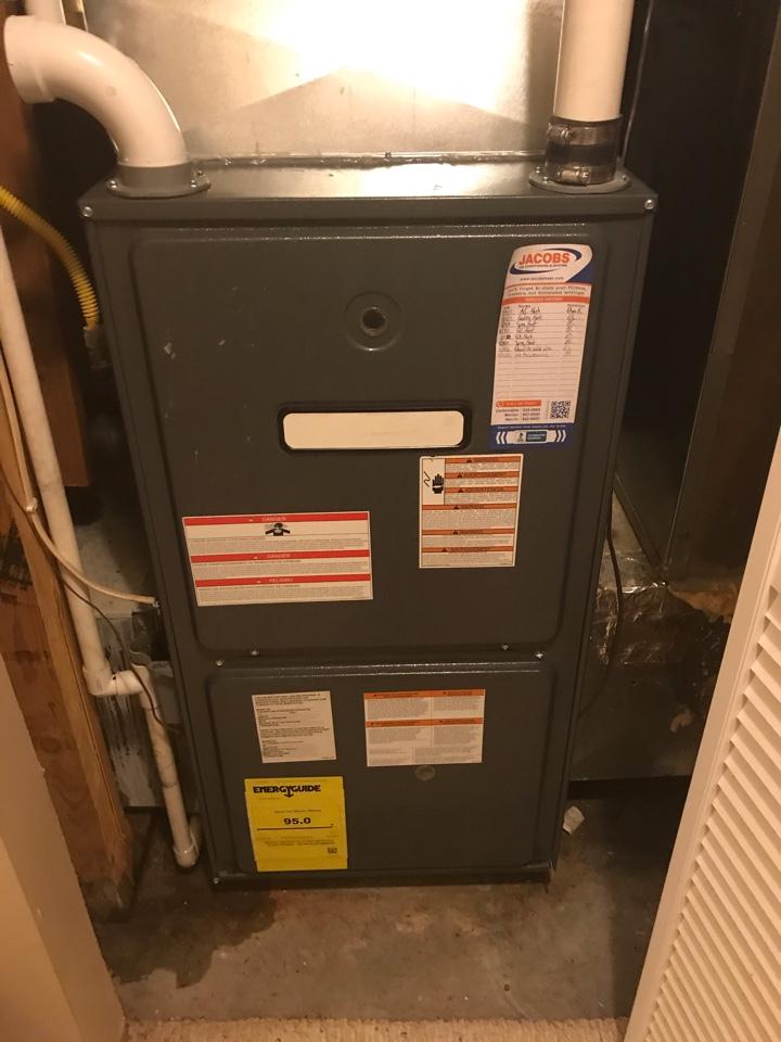 Makanda, IL - Goodman furnace fall maintenance