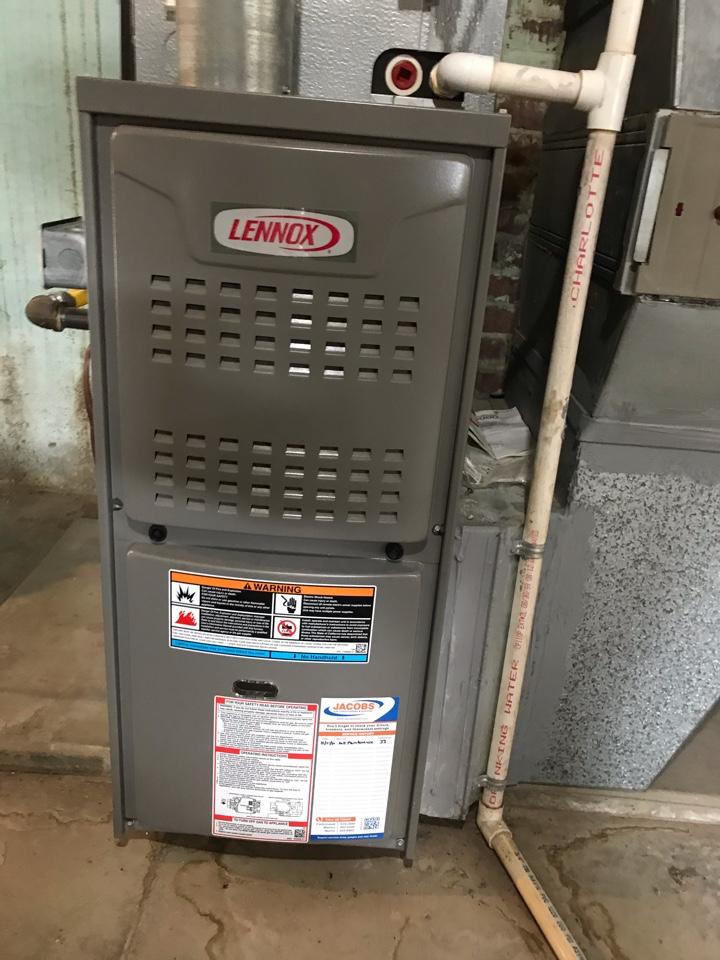 Murphysboro, IL - Lennox gas furnace fall maintenance