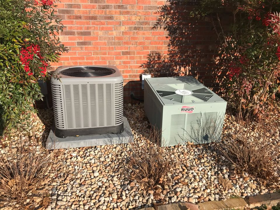 Murphysboro, IL - Two Ruud electric heat pumps fall maintenance
