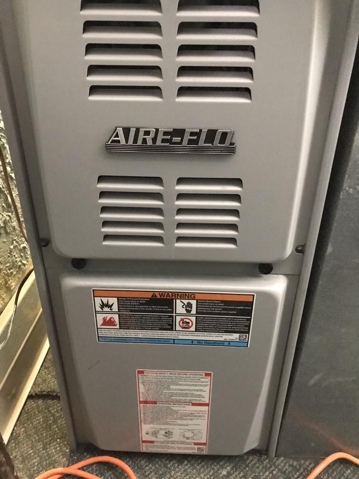 Murphysboro, IL - Fall maintenance on Aire-Flo gas furnace