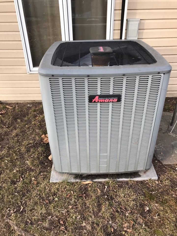 Du Quoin, IL - Fall maintenance on Goodman electric heat pump