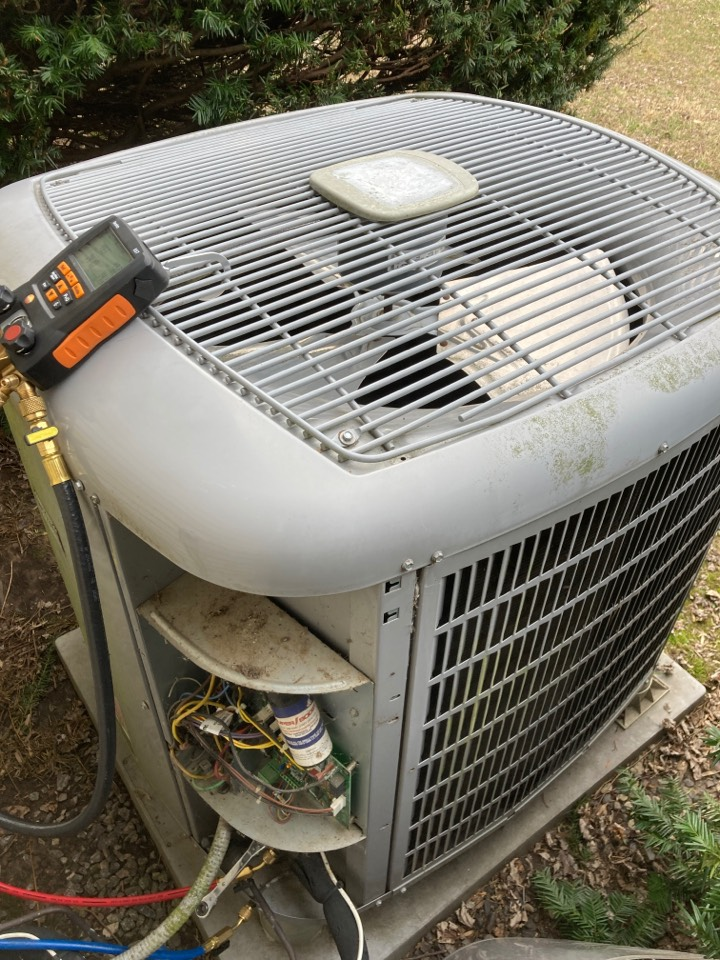 De Soto, IL - Heat pump service - Carrier