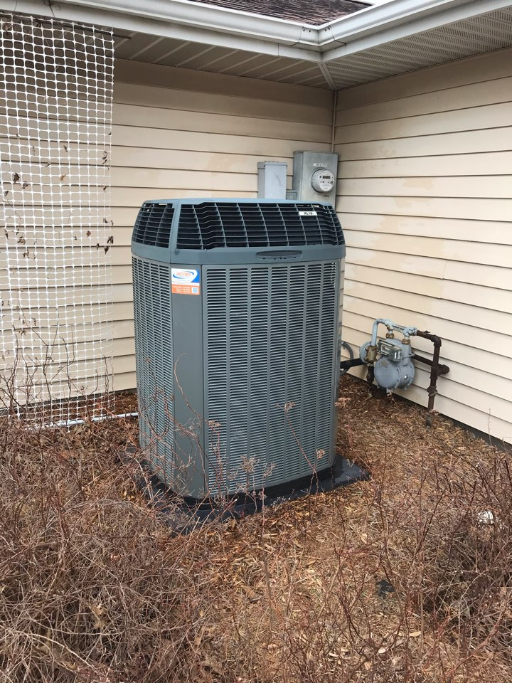 Carterville, IL - Spring maintenance on Trane air conditioner