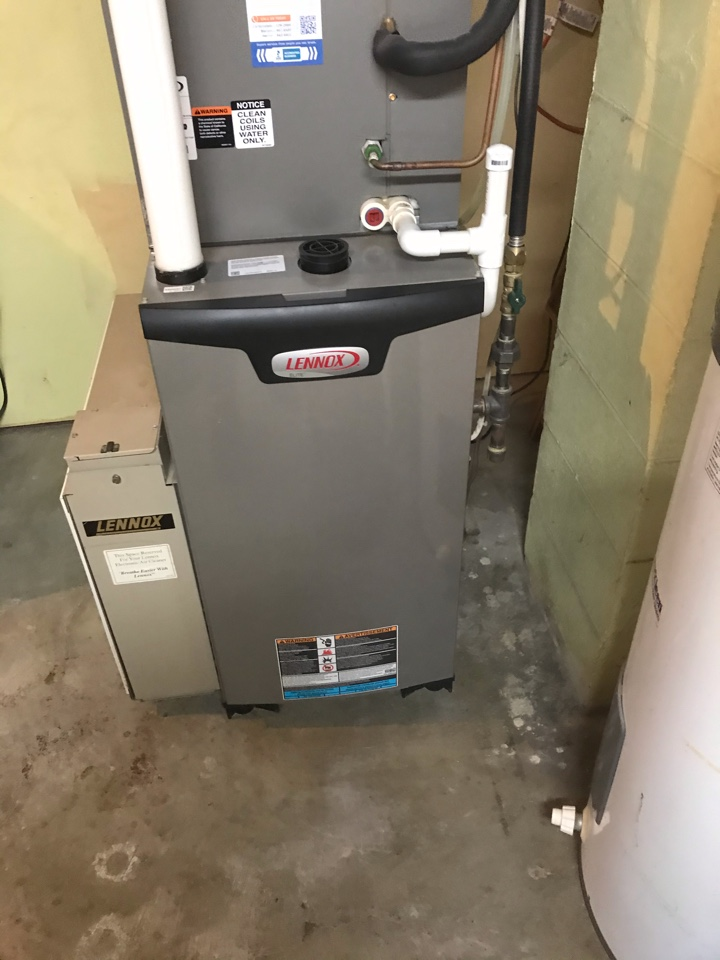 Carbondale, IL - Spring maintenance on Lennox and Goodman air conditioners