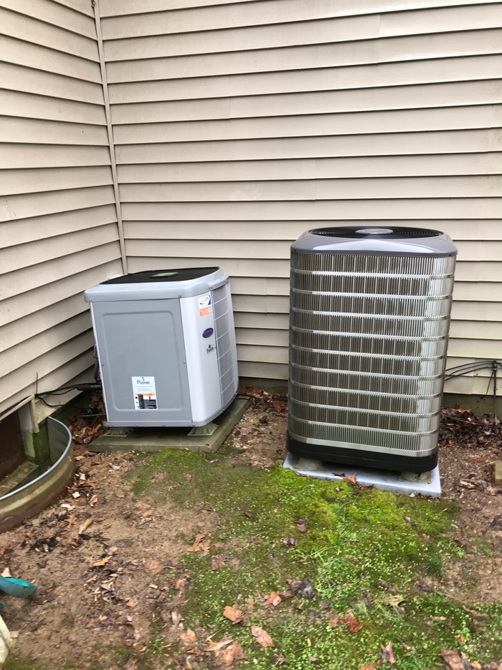 Carbondale, IL - Spring maintenance on Carrier and Nordyne heat pumps