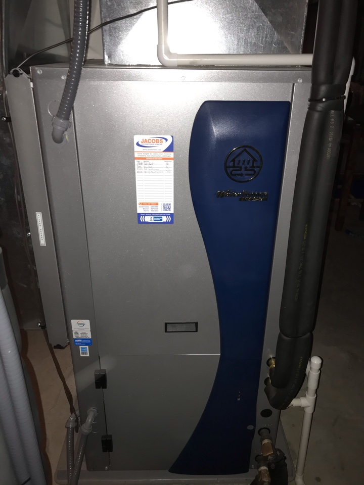 De Soto, IL - Spring maintenance on WaterFurnace geothermal system