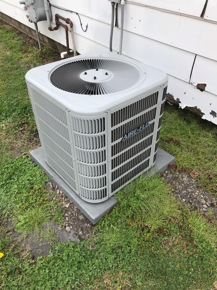 Murphysboro, IL - Spring maintenance on Aire-Flo air conditioner