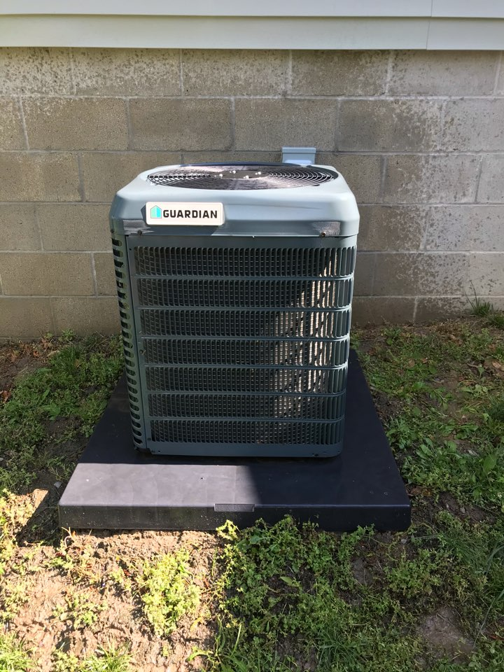 Marion, IL - Spring maintenance on Guardian air conditioner